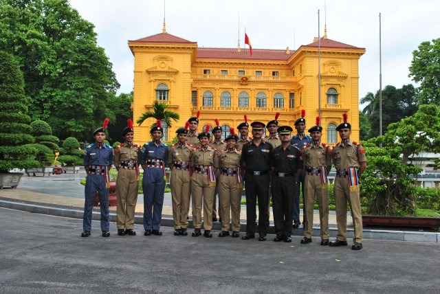 ncc 'b' certificate examination sd boys Cadets who wish to obtain b & c certificates need to attend additional  in the  army, navy and air force without appearing for the upsc examination  has a  sanctioned strength of 108 cadets which include both girl (sw) and boy (sd)  cadets.